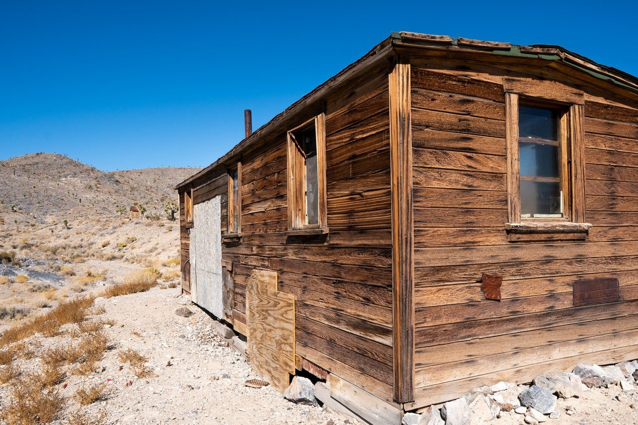 Saline valley road - Box car cabin rear