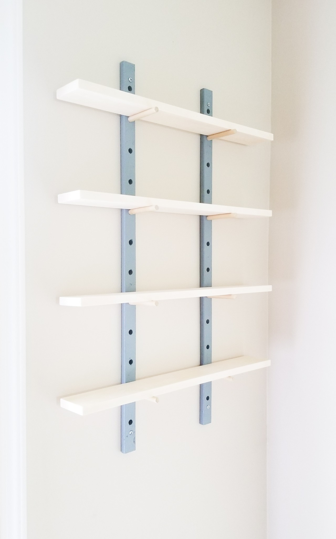 DIY Peg wall shelf