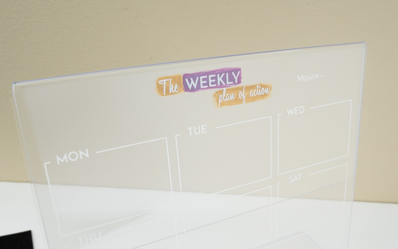 Table Top Dry Erase board using Acrylic Photo Frame