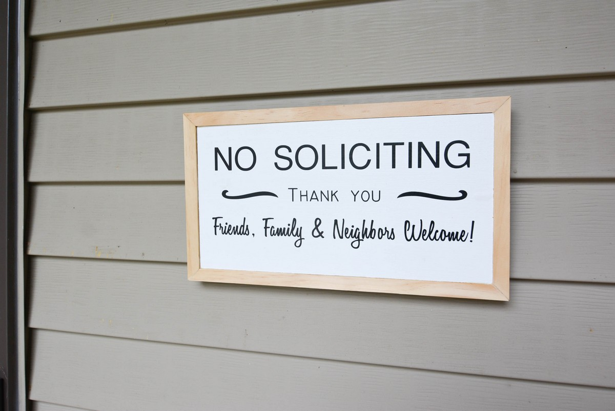 DIY No Soliciting sign + Free template